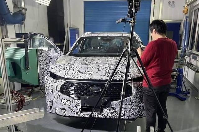 Ford Mondeo 2021: le foto spia